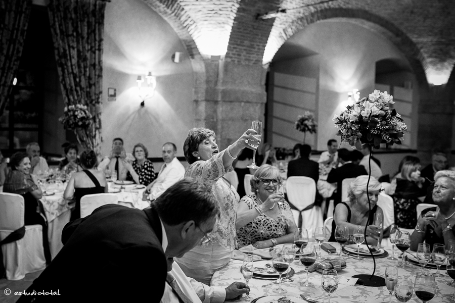 fotoperiodismo_de_boda_castillo de vinuelas-42