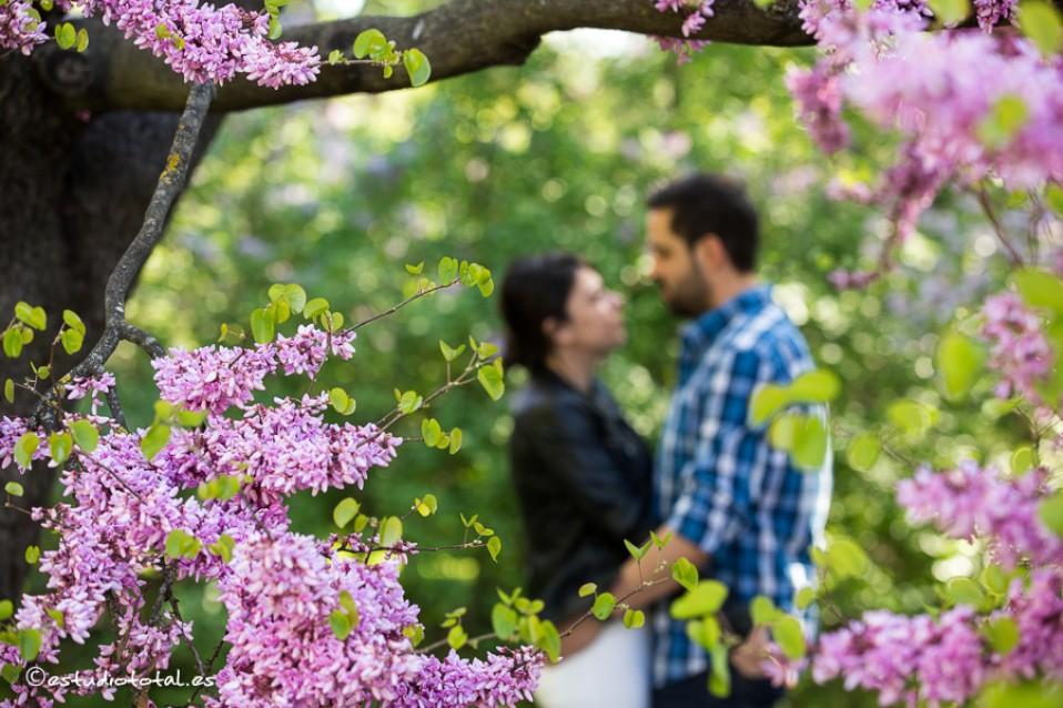 La pre-boda de  Álvaro y Deborah en el parque El Capricho, Madrid