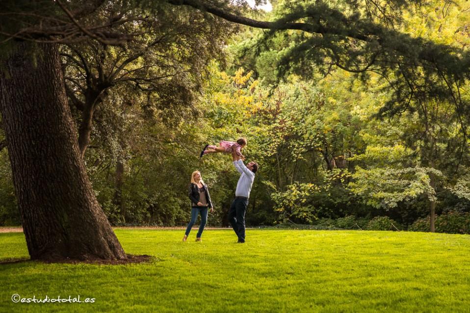 Cate, Bea & Mihai, pre-boda en el parque El Capricho